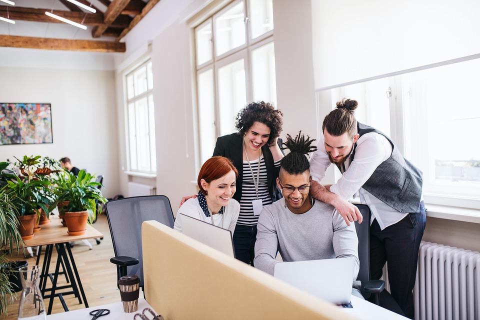 La reconnaissance de soi et des autres: pilier du bien-être et bonheur au travail